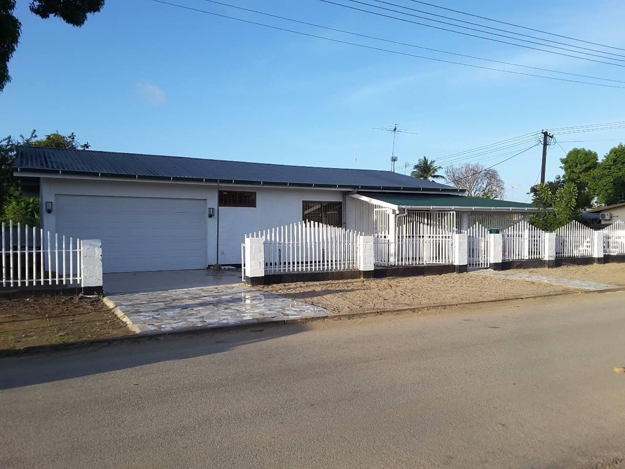 huis voorkant 1